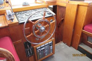 1976 Fisher 37