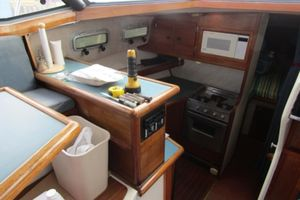 1989 Bayliner 3288