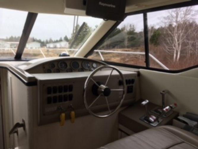 1996 Bayliner Express Cruiser